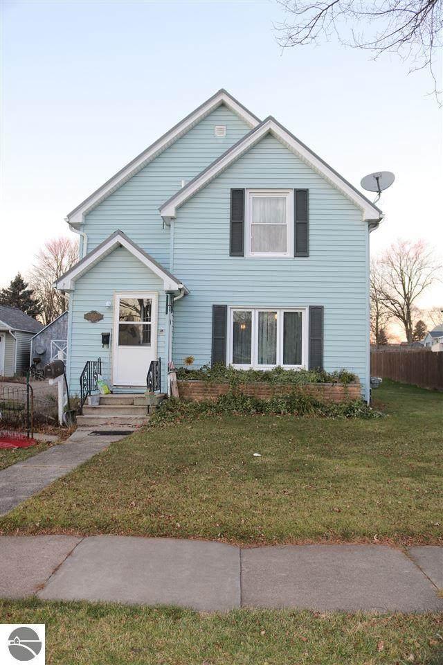 312 W End Street, Alma, MI 48801 (MLS #1882393) :: CENTURY 21 Northland