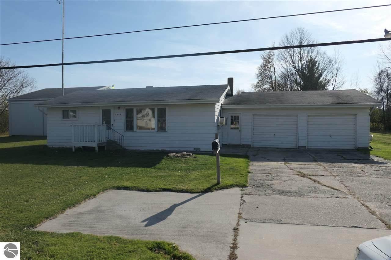 3890 Deerfield Road - Photo 1