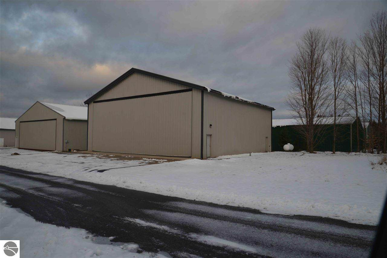1212 Hangar Way - Photo 1