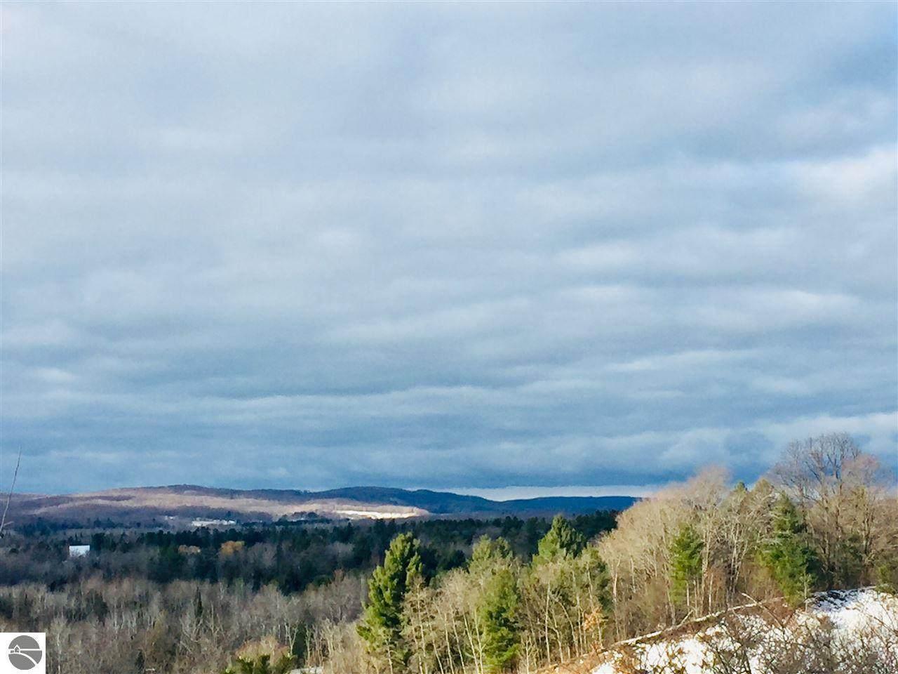 Highland - Photo 1