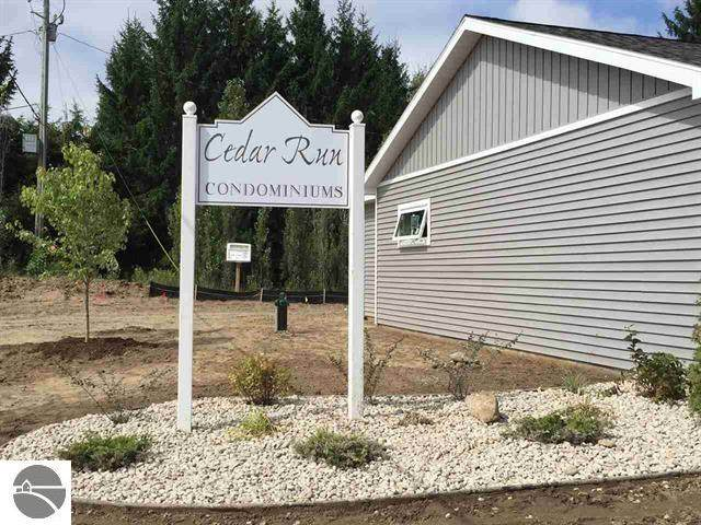 5021 Cedar Condo Court #8, Traverse City, MI 49684 (MLS #1883198) :: CENTURY 21 Northland