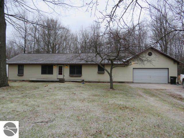 1960 S Us-23, Tawas City, MI 48763 (MLS #1883310) :: Michigan LifeStyle Homes Group