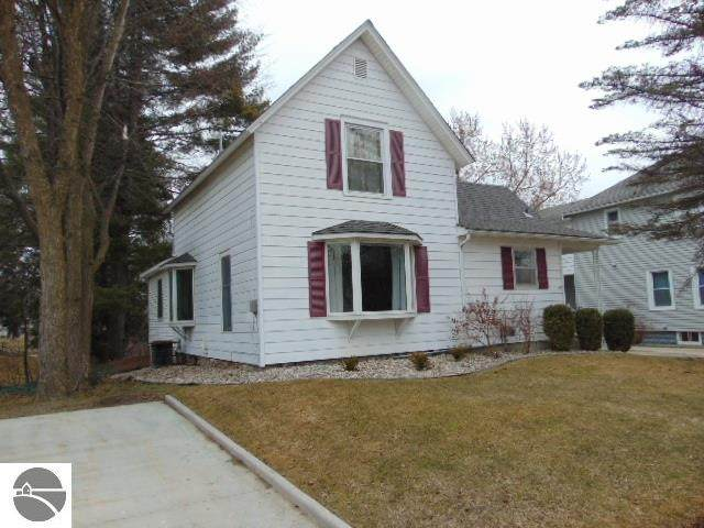 228 Philadelphia Avenue, Alma, MI 48801 (MLS #1885049) :: Boerma Realty, LLC