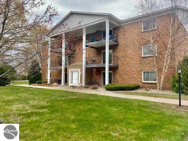 540 Georgetown Drive #28, Traverse City, MI 49684 (MLS #1886654) :: CENTURY 21 Northland