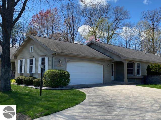 1134 Hemingway Lane, Traverse City, MI 49686 (MLS #1887042) :: Boerma Realty, LLC