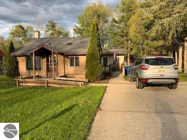 327 S Gladwin Street, Lake City, MI 49651 (MLS #1887412) :: CENTURY 21 Northland