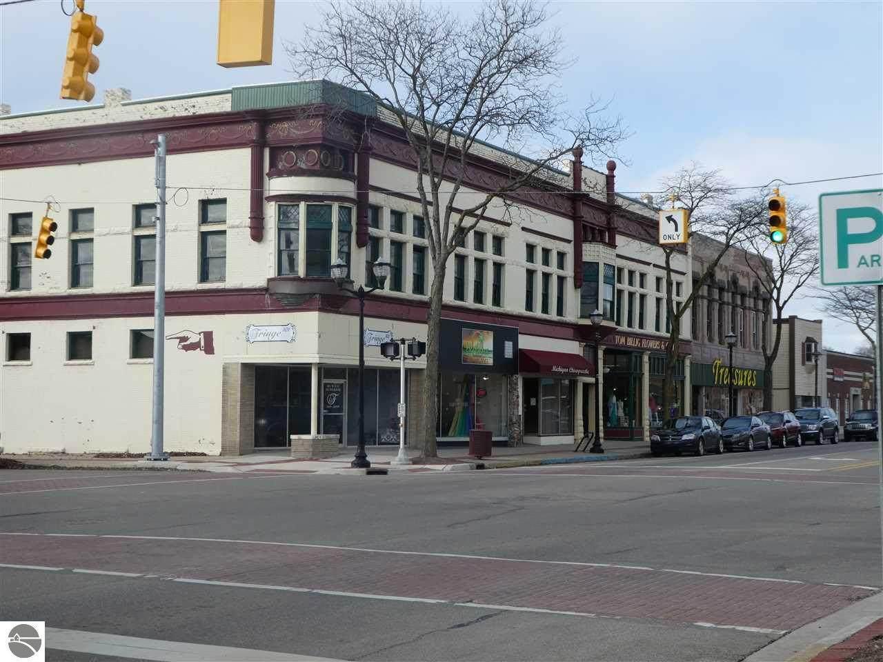 107 Superior Street - Photo 1