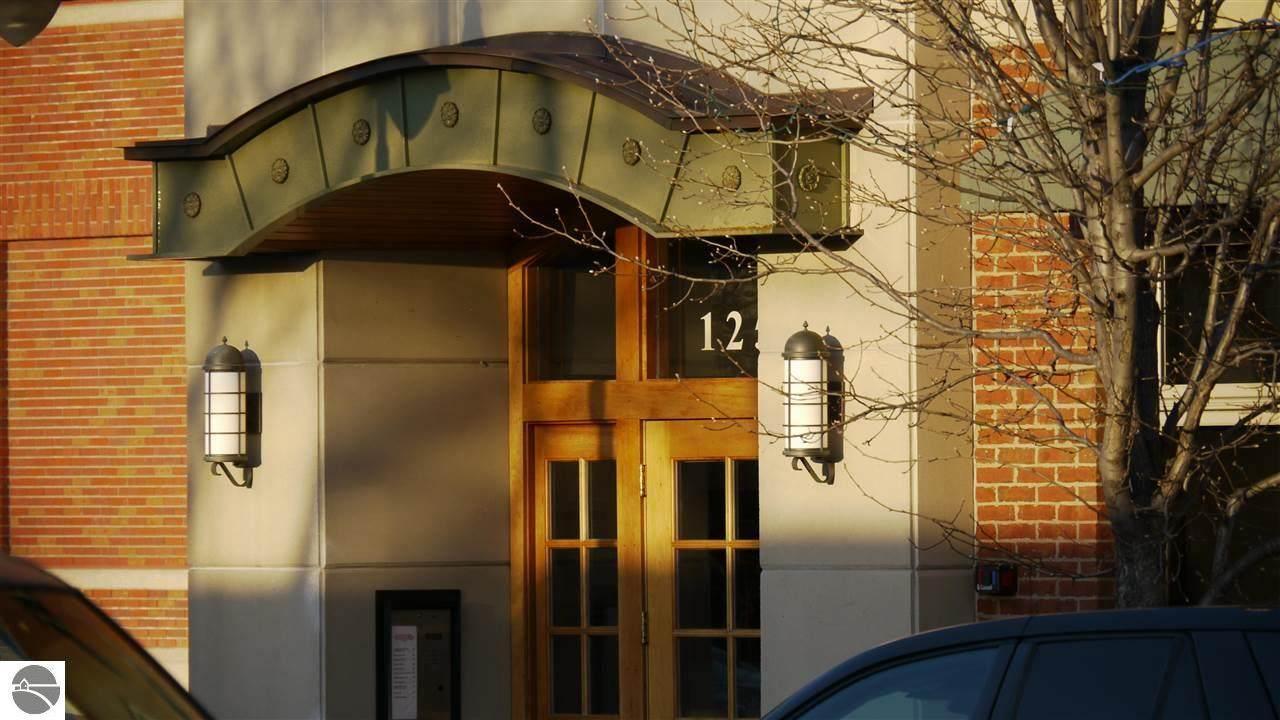 125 Park Street - Photo 1