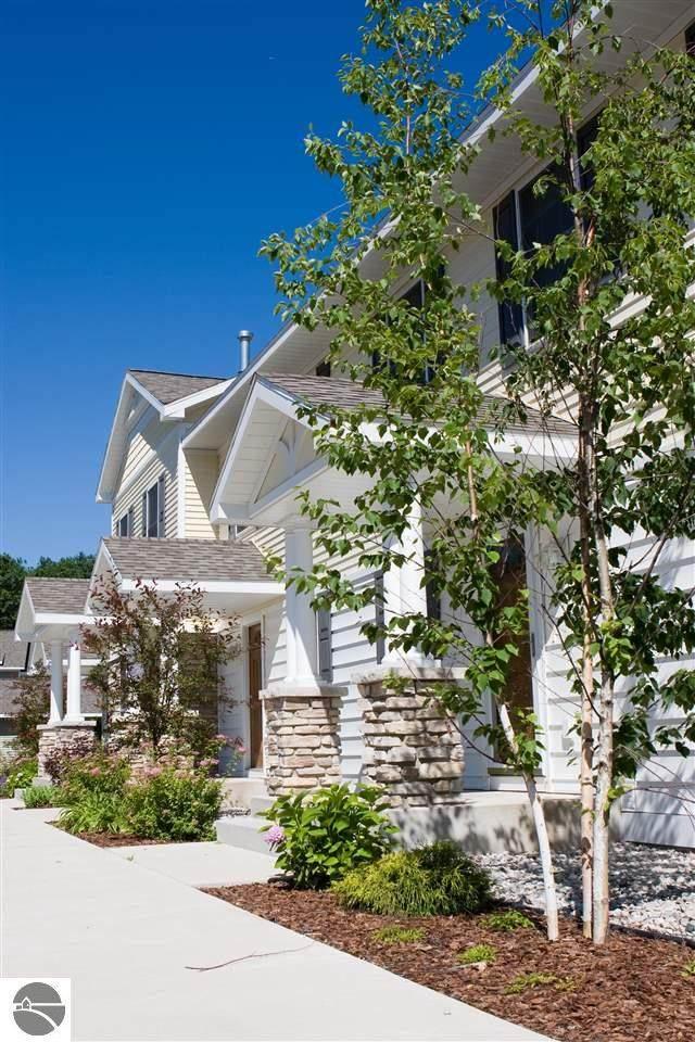 1554 Simsbury Street #28, Traverse City, MI 49686 (MLS #1890920) :: Boerma Realty, LLC