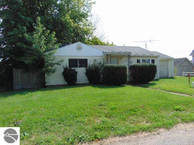 6408 N Pingree Road, Elwell, MI 48832 (MLS #1892426) :: Boerma Realty, LLC