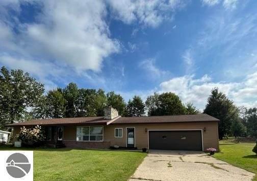 1807 S Lake Mitchell Drive, Cadillac, MI 49601 (MLS #1893136) :: CENTURY 21 Northland