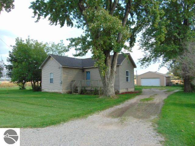 408 E Gratiot Road, Ithaca, MI 48847 (MLS #1893432) :: CENTURY 21 Northland