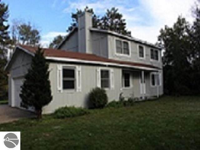 8601 S 43 Road, Cadillac, MI 49601 (MLS #1893953) :: Brick & Corbett