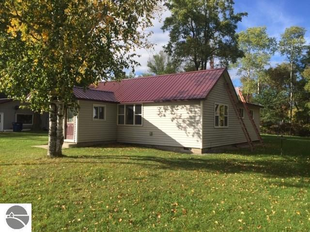 202 Cottage Street, Kingsley, MI 49649 (MLS #1854315) :: Team Dakoske | RE/MAX Bayshore