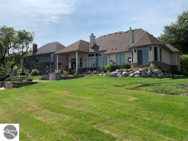 1510 N Huron, Tawas City, MI 48763 (MLS #1865529) :: Michigan LifeStyle Homes Group