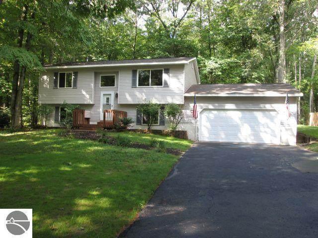 948 Lodge Trail, Interlochen, MI 49643 (MLS #1891277) :: Boerma Realty, LLC