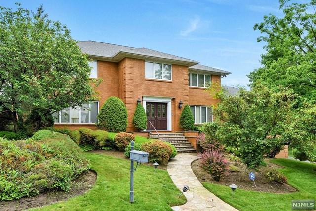 301 Bolz St, Englewood Cliffs, NJ 07632 (MLS #1724783) :: William Raveis Baer & McIntosh