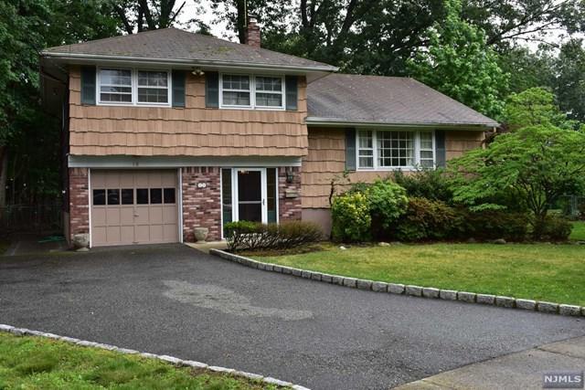 10 Maryann Ct, Paramus, NJ 07652 (#1725203) :: RE/MAX Properties