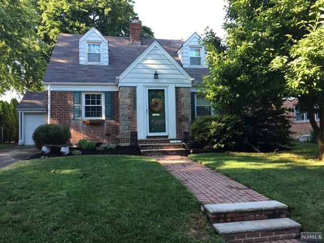 114 Madison Ave, River Edge, NJ 07661 (#1725430) :: RE/MAX Properties