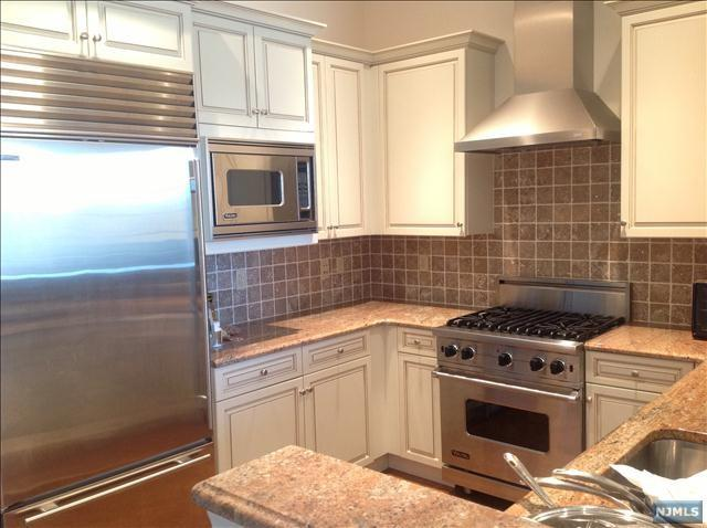 4101 Piermont Rd #2305, Tenafly, NJ 07670 (MLS #1725545) :: William Raveis Baer & McIntosh