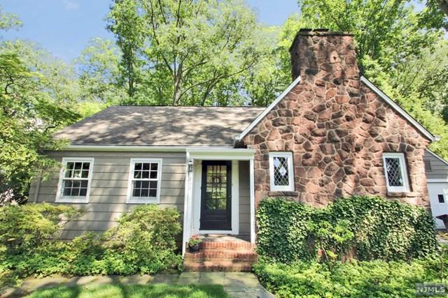 263 Gateway Rd, Ridgewood, NJ 07450 (#1725550) :: RE/MAX Properties