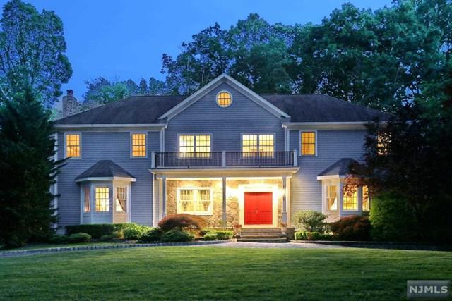 32 Dogwood Hill Rd, Upper Saddle River, NJ 07458 (MLS #1725573) :: William Raveis Baer & McIntosh