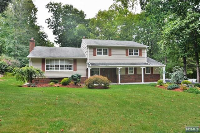 708 Hillcrest Rd, Twp Of Washington, NJ 07676 (#1725621) :: RE/MAX Properties