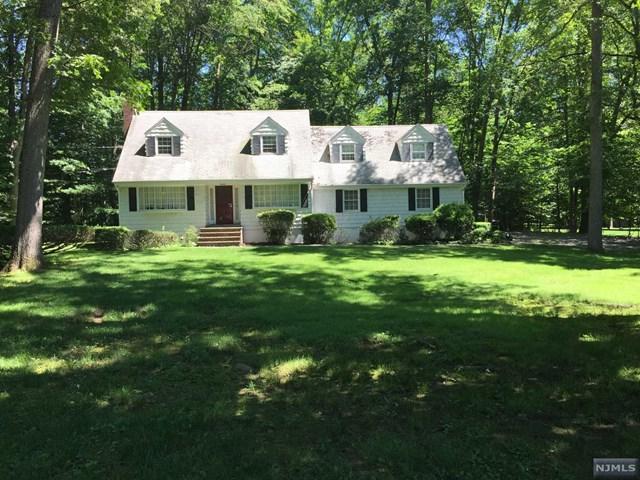 31 Dogwood Hill Rd, Upper Saddle River, NJ 07458 (MLS #1725831) :: William Raveis Baer & McIntosh
