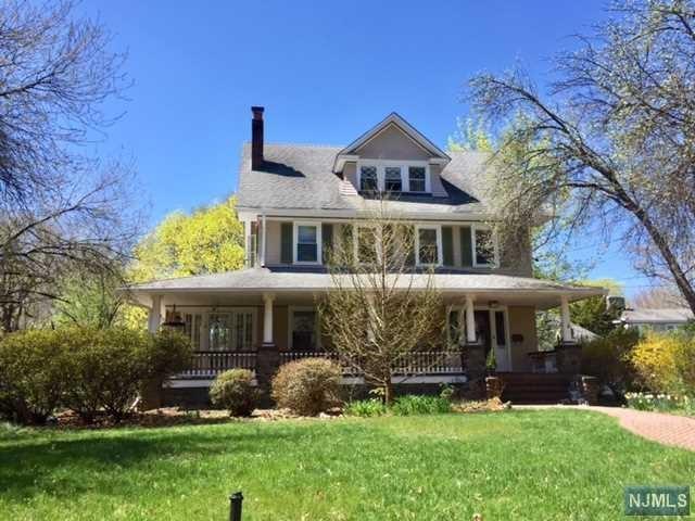 308 Woodside Ave, Ridgewood, NJ 07450 (#1725840) :: RE/MAX Properties