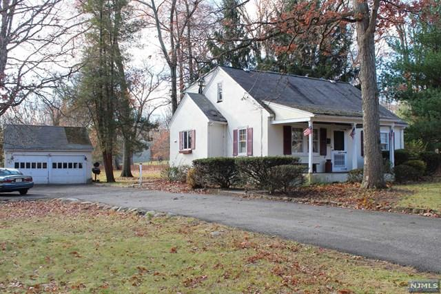 154 Franklin Ave, Wyckoff, NJ 07481 (#1726298) :: RE/MAX Properties
