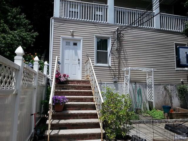 368 Undercliff Ave Apt. #2, Edgewater, NJ 07020 (#1726321) :: RE/MAX Properties