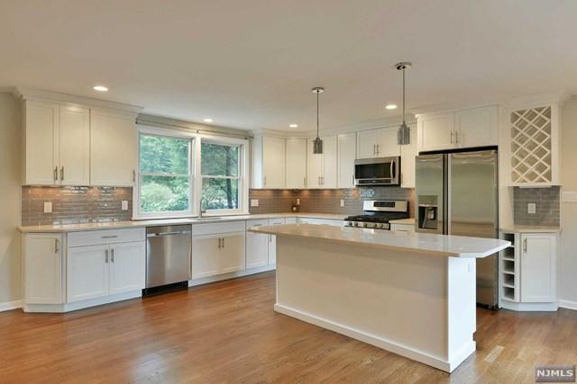 132 Glen Ave, Millburn, NJ 07041 (MLS #1726527) :: The Dekanski Home Selling Team