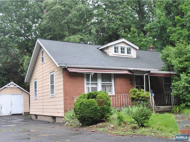 200 Franklin St, Haworth, NJ 07641 (MLS #1726814) :: William Raveis Baer & McIntosh