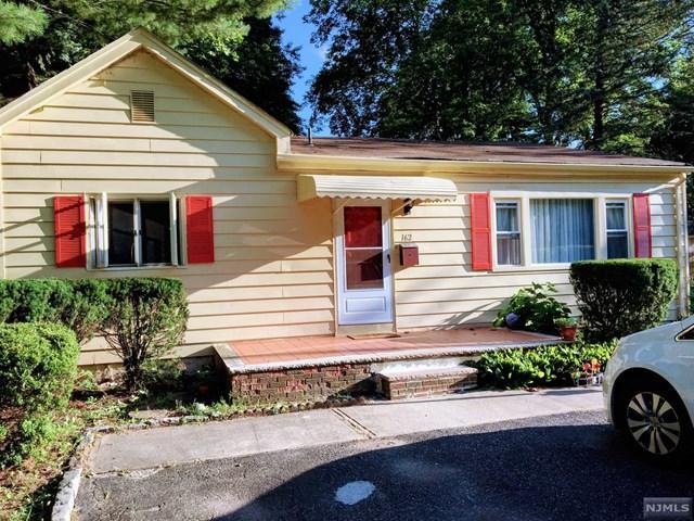 203 Knickerbocker Rd, Closter, NJ 07624 (#1731831) :: Group BK