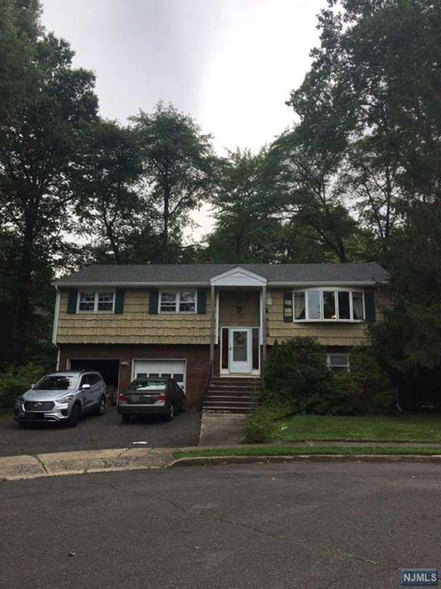 1 Scott Ct, Emerson, NJ 07630 (MLS #1732146) :: William Raveis Baer & McIntosh