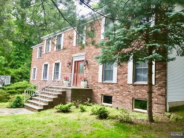 70 Johnson Ct, Closter, NJ 07624 (#1732450) :: Group BK