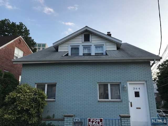 364 Lafayette Ave, Cliffside Park, NJ 07010 (#1732676) :: Group BK