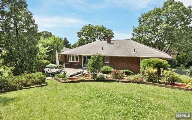 680 Oak St, Ridgefield, NJ 07657 (#1733229) :: Group BK