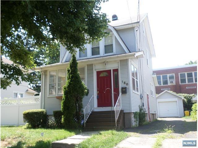 150 Gray St, Teaneck, NJ 07666 (#1733336) :: Group BK