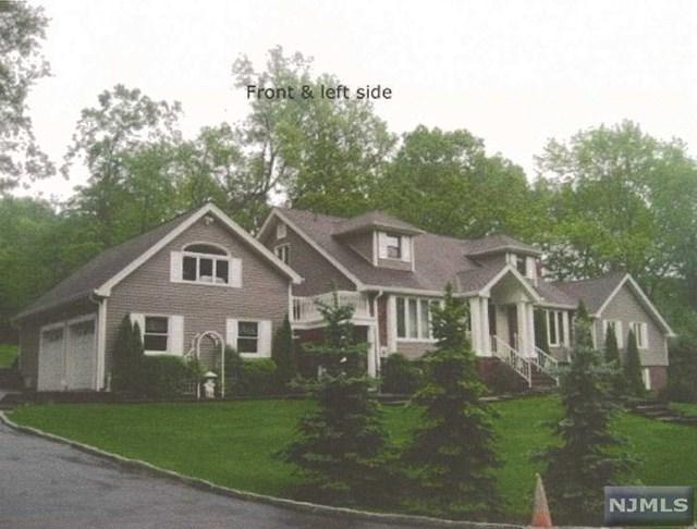1 Castle Hill Ct, Upper Saddle River, NJ 07458 (#1733416) :: RE/MAX Properties