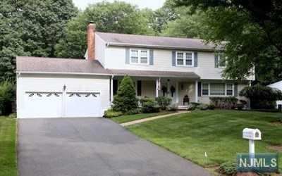 20 Indian Valley Rd, Ramsey, NJ 07446 (#1733582) :: RE/MAX Properties