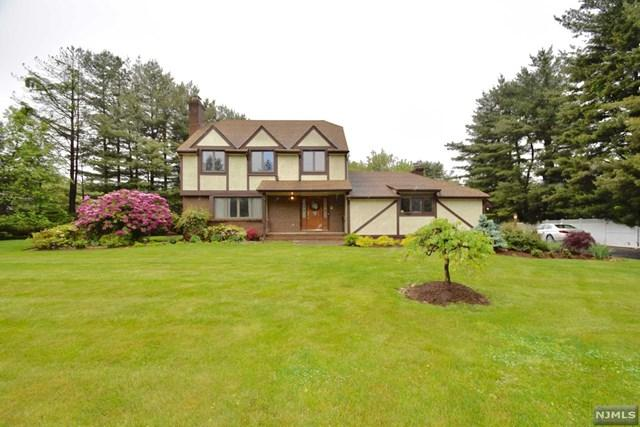 575 Russell Ave, Wyckoff, NJ 07481 (#1733638) :: RE/MAX Properties