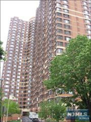 100 Old Palisade Rd #604, Fort Lee, NJ 07024 (MLS #1733697) :: William Raveis Baer & McIntosh