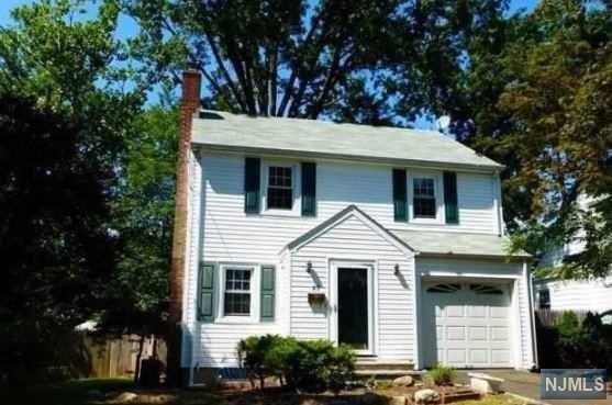 27 Pleasant Ave, Tenafly, NJ 07670 (MLS #1733814) :: William Raveis Baer & McIntosh