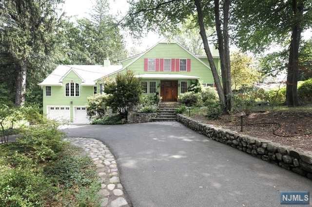 105 W Crescent Ave, Ramsey, NJ 07446 (#1734140) :: RE/MAX Properties