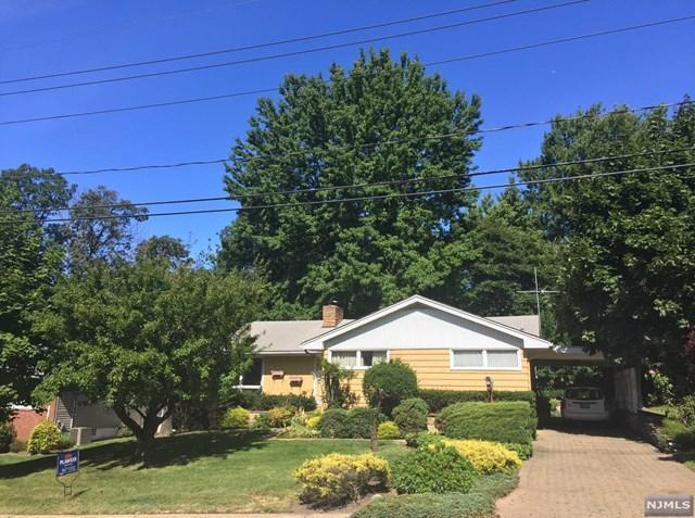 388 Castle Dr, Englewood Cliffs, NJ 07632 (MLS #1735408) :: William Raveis Baer & McIntosh
