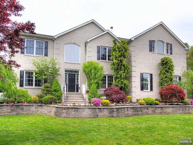 73 Big Piece Rd, Fairfield, NJ 07004 (MLS #1736819) :: The Dekanski Home Selling Team