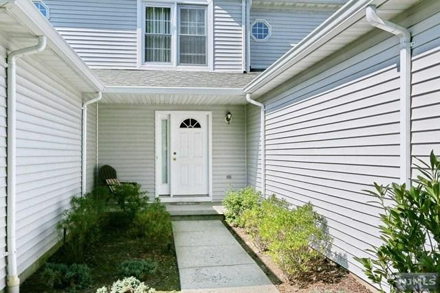 56 Foxwood Sq, Old Tappan, NJ 07675 (MLS #1737006) :: William Raveis Baer & McIntosh