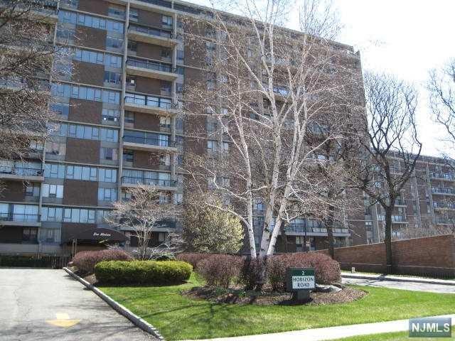 3 Horizon Rd #603, Fort Lee, NJ 07024 (MLS #1737949) :: William Raveis Baer & McIntosh
