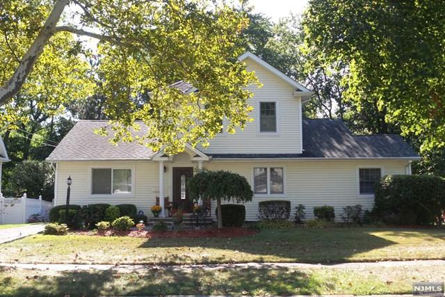 348 Oak Ave, River Edge, NJ 07661 (#1739057) :: RE/MAX Properties